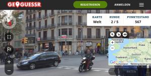 Screenshot von der Website geoguessr: Straßenansicht aus Spanien